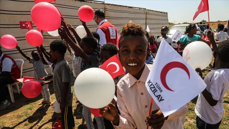 Türk Kızılaydan 15 ülkedeki 385 bin yetim ve çocuğa şefkat eli
