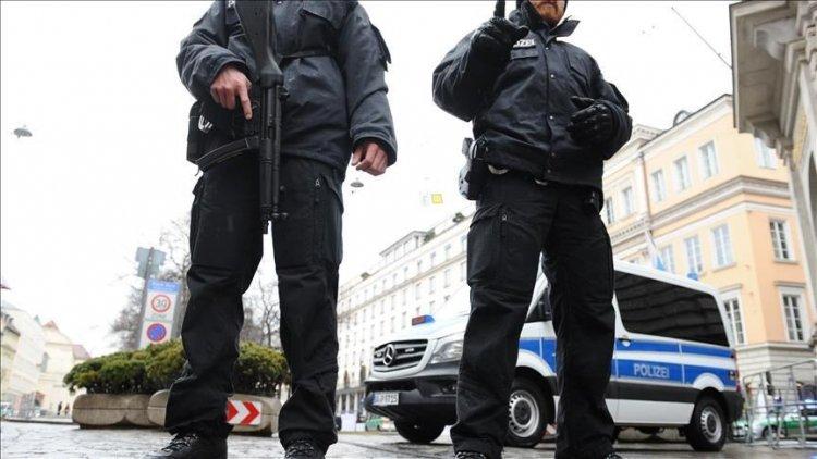 Almanya'da çok sayıda polis hakkında aşırı sağcı içerik paylaştıkları gerekçesiyle inceleme