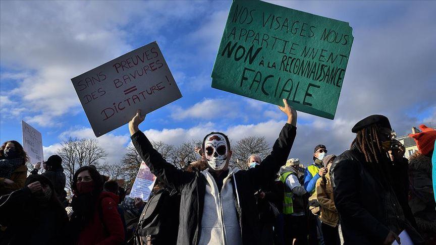Fransa'da sarı yeleklilere polis tarafından sert müdahale