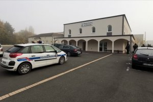 Fransız Danıştay Pantin camisini 6 aylığına kapattı