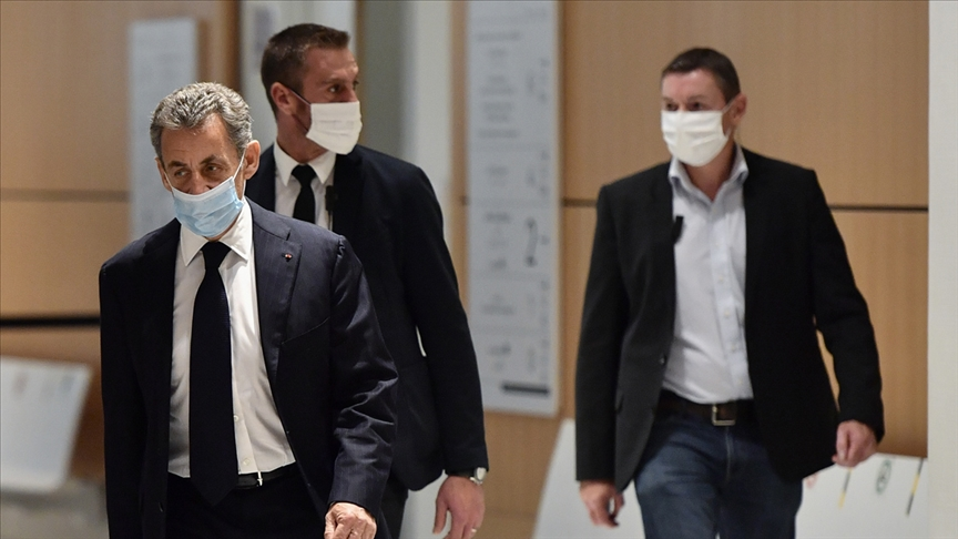 Fransa eski Cumhurbaşkanı Sarkozy, dönemindeki 'kirli' ilişkilerin hesabını veriyor