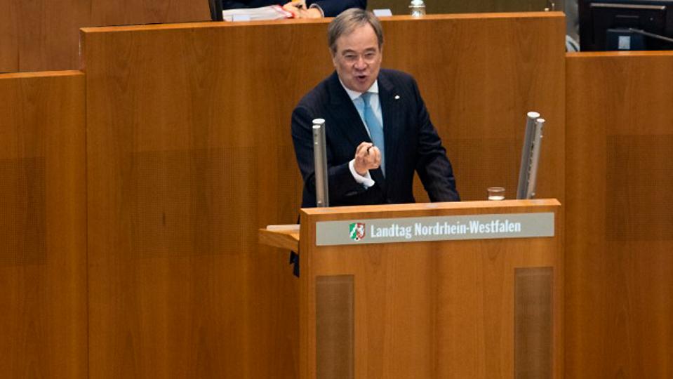 Almanya Eyalet Başbakanı Laschet'ten aşırı sağa fırça, Prof. Şahin'e övgü