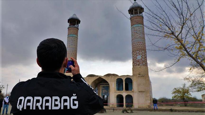Ağdam bölgesinin futbol takımı Karabağ, işgalden kurtarılan şehre 27 yıl sonra ayak bastı