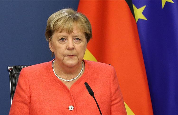 Merkel Oruç Reis'in tekrar Türk limanına dönmesi zirve öncesi iyi bir işaret