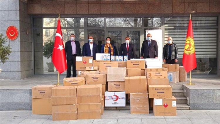 Türkiye'nin Kırgızistan'a gönderdiği tıbbi malzemeler teslim edildi