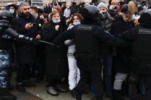 Rusya'da protestoculara ağır cezalar verildi