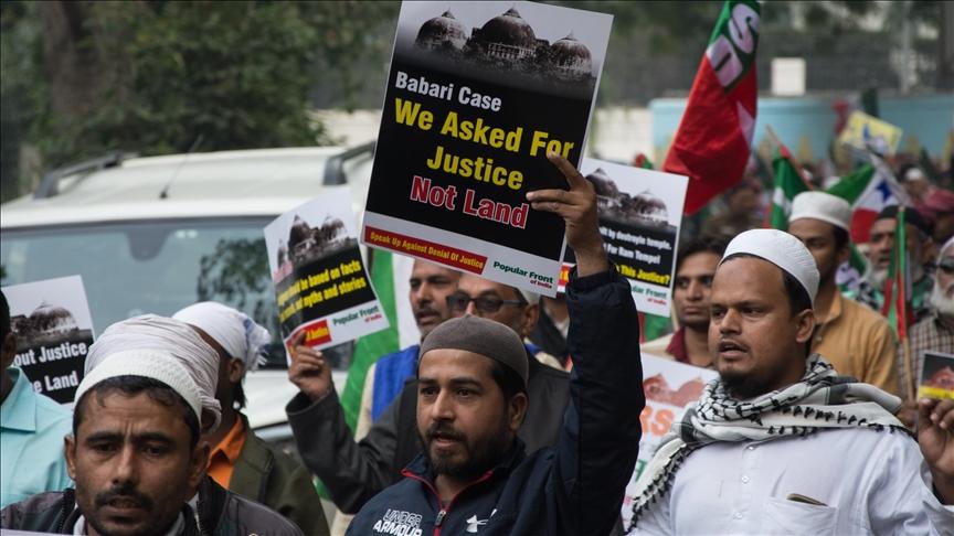 Hindistan'da yıkılan Babri Camisi'nin yerine inşa edilecek caminin temeli yarın atılıyor
