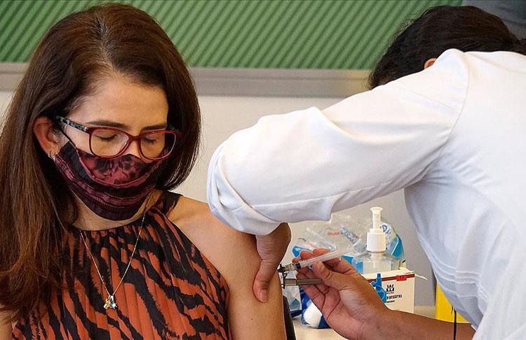 Almanya'da AstraZeneca aşısının 65 yaş altına uygulanması tavsiye edildi
