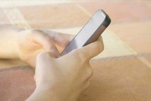 Cep telefonları, çocuklar için 'muhtemel kanserojen' kaynağı