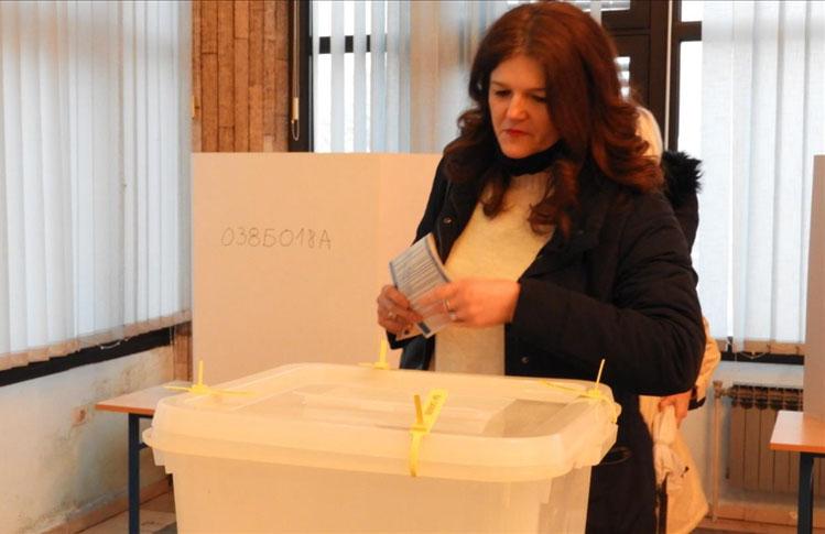 Boşnakların boykot ettiği Srebrenitsa'daki yerel seçimi Sırp aday Grujicic kazandı