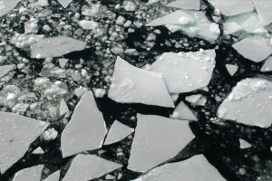 İsveç'te donmuş gölde 4 kişi boğuldu