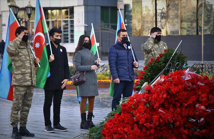 Hocalı Katliamı'nın kurbanları Bakü'de anılıyor
