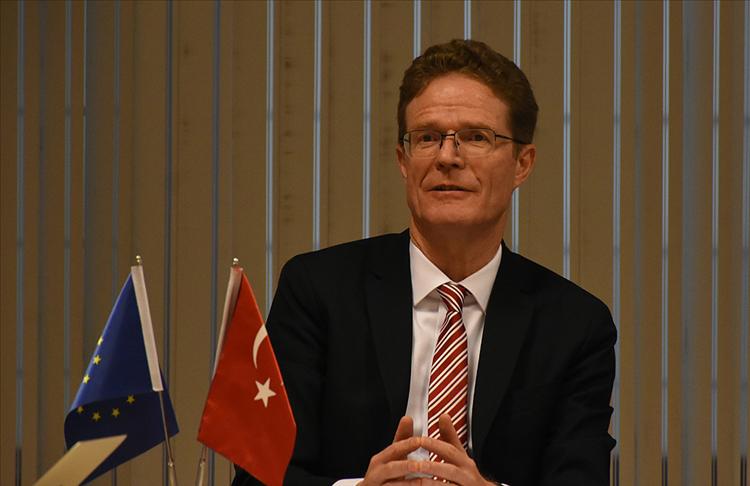 AB Delegasyonu Başkanı Landrut,:Türkiye, aday ülkelerin bir parçasıdır