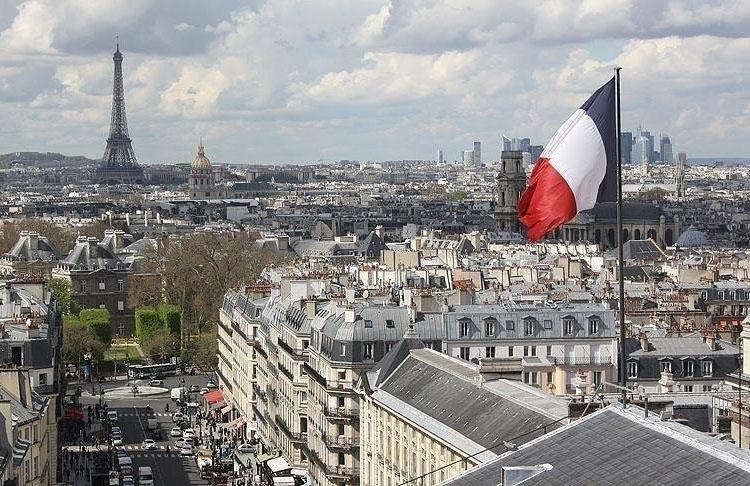 Fransa hükümetin kapattığı Pantin Camisi ibadete açılıyor