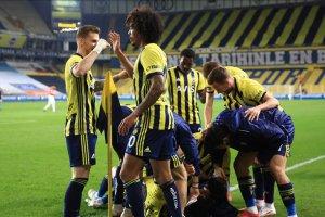 Fenerbahçe dört maç sonra 1'den fazla gol