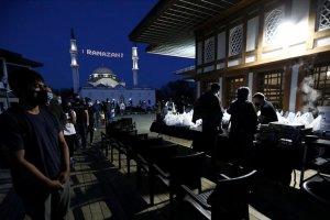 Amerika Diyanet Merkezi'nde ilk iftar açıldı