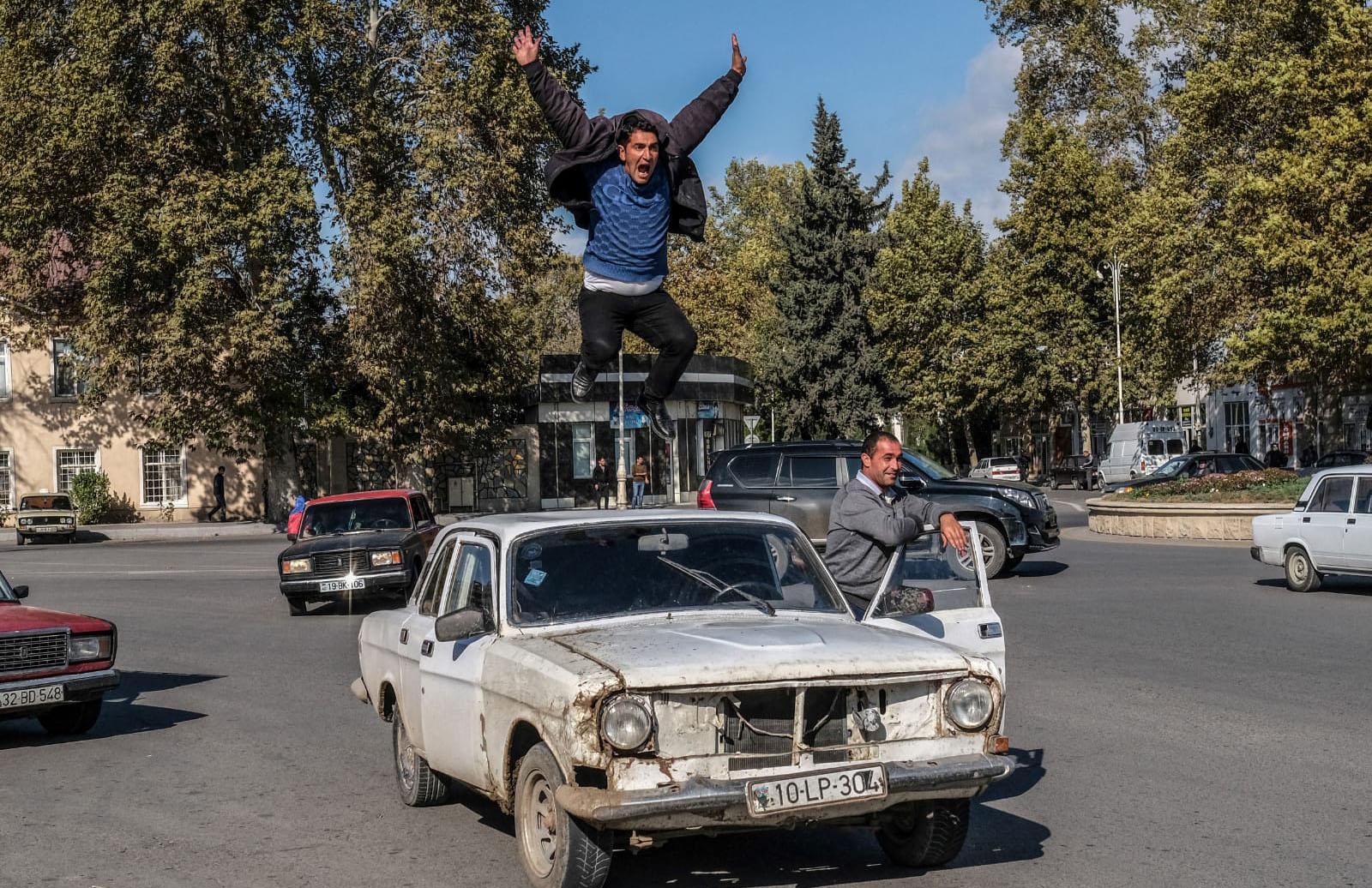 Şuşa sevinci fotografına YTB özel ödülü
