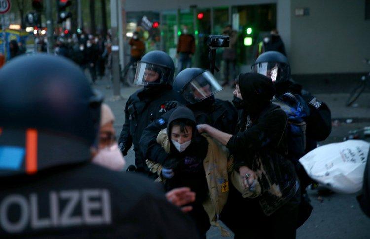 Berlin'de 1 Mayıs gösterilerinde 354 kişi gözaltına alındı