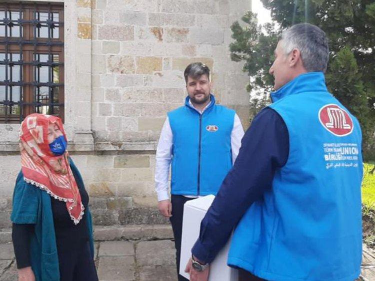 DİTİB, hayırseverlerin destekleriyle ihtiyaç sahiplerinin yüzünü güldürüyor