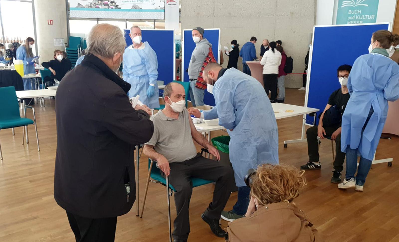 Köln DİTİB Merkez Camii'nde 1450 kişiye aşı yapıldı