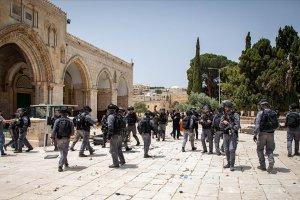 Filistin direniş grupları, İsrail'e Mescid-i Aksa'daki polisleri çekmesi için süre verdi