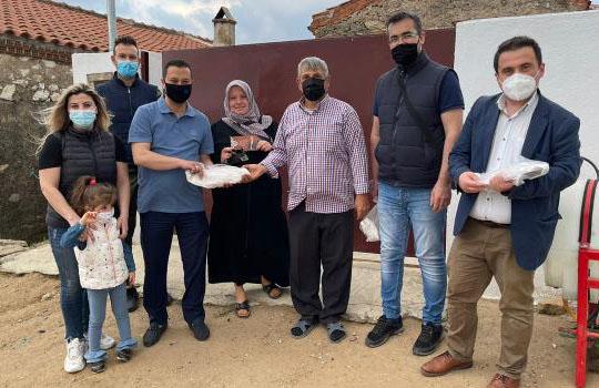 Belediye Başkanı Önder Ramazan'da iftar öncesi hemşerilerine 5.000 pide ikram etti