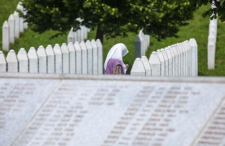 Srebrenitsa anneleri 'Bosna Kasabı' hakkındaki karar bekliyor