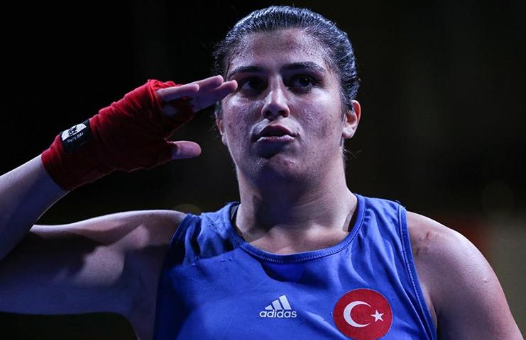 Milli boksör Busenaz'dan altın madalya