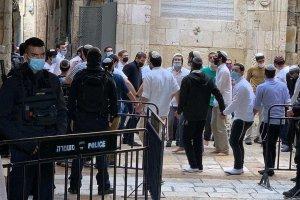 İsrail polisi ve 78 fanatik Yahudi, Mescid-i Aksa'ya baskın düzenledi