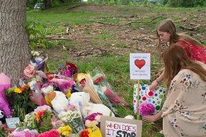 Kanada'daki terör saldırısında hayatını kaybeden aile için anma töreni