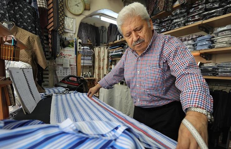 54 yıldır Eyüpsultan'da gömlek ve çubuklu pijama dikiyor