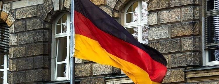 Almanya WhatsApp yazışmalarını okuma imkanı veren yasa Federal Meclis'ten geçti