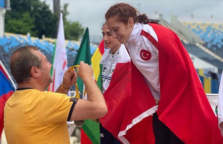 Muhsine Gezer, dünya şampiyonu oldu