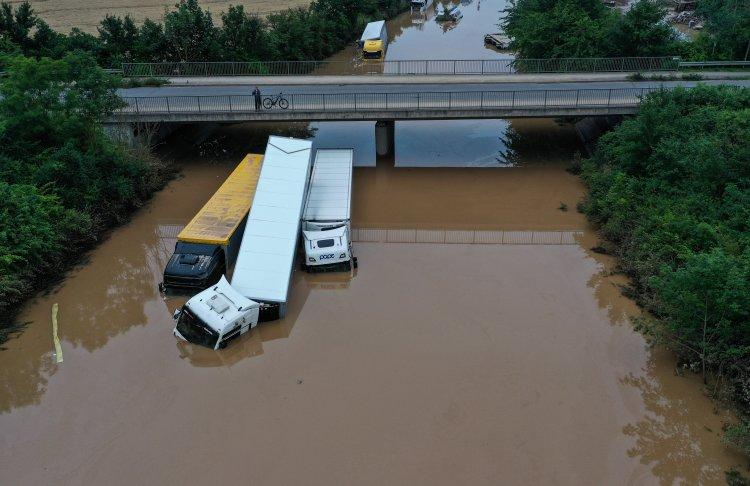Almanya'da sel felaketinde ölenlerin sayısı artıyor
