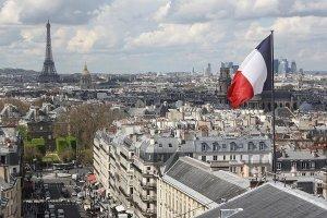Fransa tartışmalı terörle mücadele ve istihbarat yasasını onayladı
