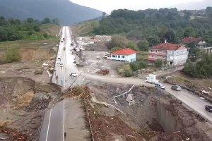 Şiddetli yağış Kastamonu, Bartın ve Sinop'ta sel ve heyelana neden oldu