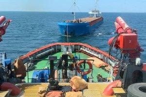 Sierra Leone bandıralı kuru yük gemisi Çanakkale Boğazı'nda arızalandı