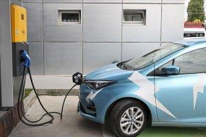 Elektrikli araç ve şarj ünitesi satışları artıyor
