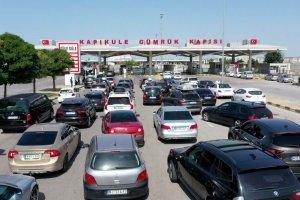 Yurt dışından gelen gurbetçiler tatilini Türkiye'de geçirdi
