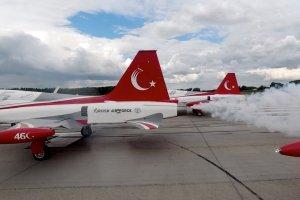 MSB: Yıldızları, Macaristan Uluslararası Askeri Hava Gösterileri kapsamında uçuş gerçekleştirdi