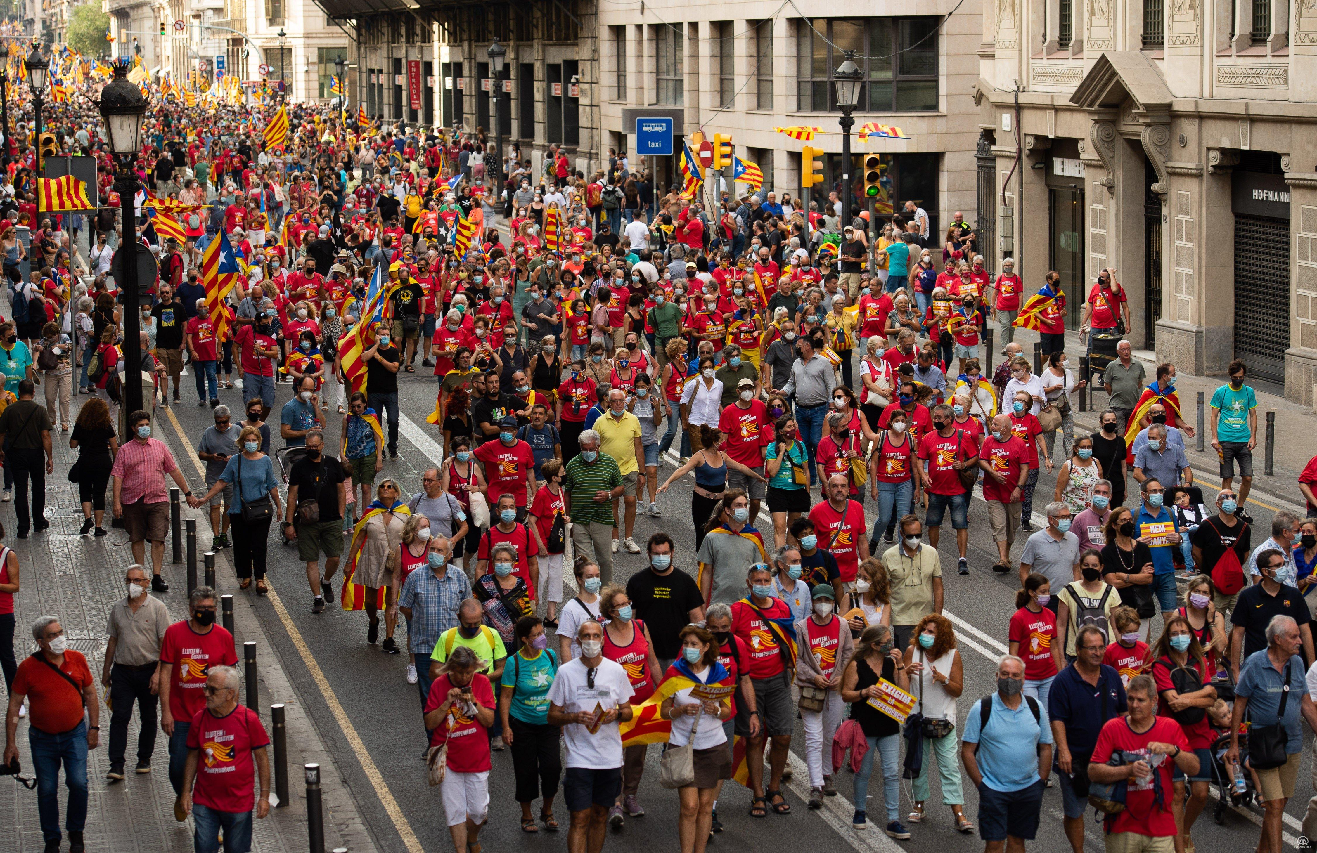Katalonya milli günü son 10 yıldır olduğu gibi bu günde bağımsızlık yanlısı girişimlere sahne oldu