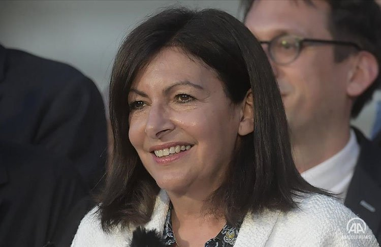 Paris Belediye Başkanı Hidalgo, 2022 cumhurbaşkanlığı seçimleri için adaylığını açıkladı