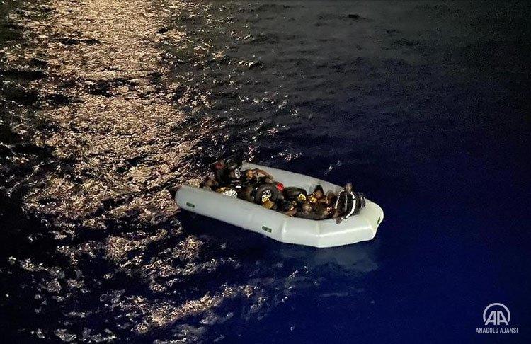 AB, Yunanistan'a ek göç fonu sağlamak için bağımsız mekanizma kurmasını şart koştu
