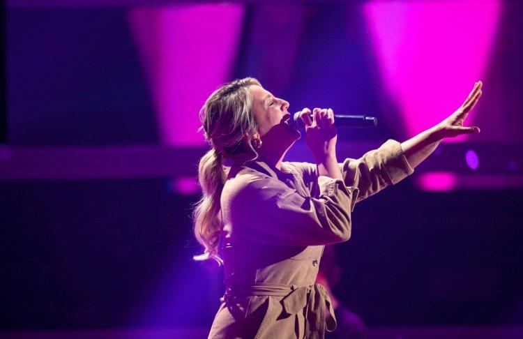 Gurbetçi şarkıcı Zeynep, Voice of Germany'de milyonları ekrana kilitledi