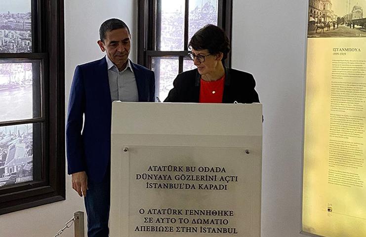 BioNTech'in kurucuları Şahin ve Türeci, Selanik'te Atatürk Evi'ni ziyaret etti