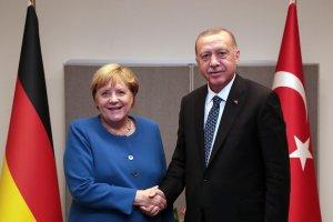 Cumhurbaşkanı Erdoğan: Irkçılık ve İslam düşmanlığı Avrupa'daki Türk toplumunun başlıca sorunları