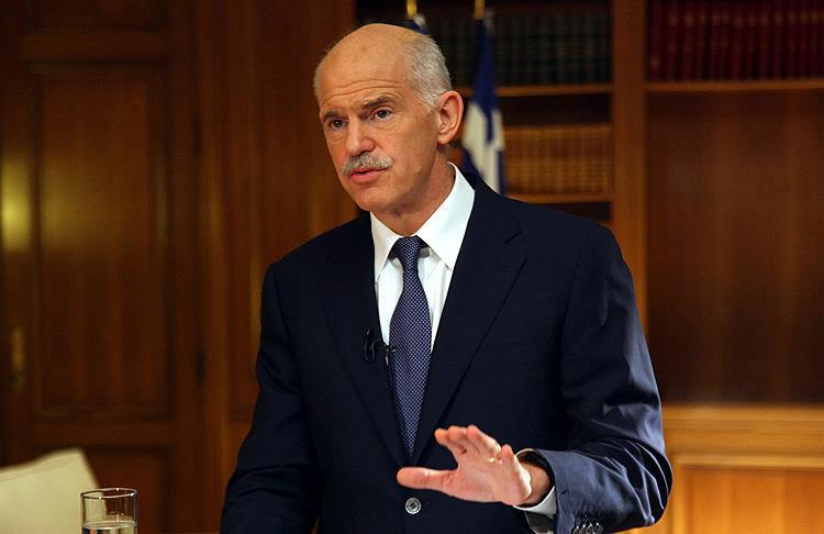 KİNAL Partisi kulislerinde gündem Papandreu'nun liderliği